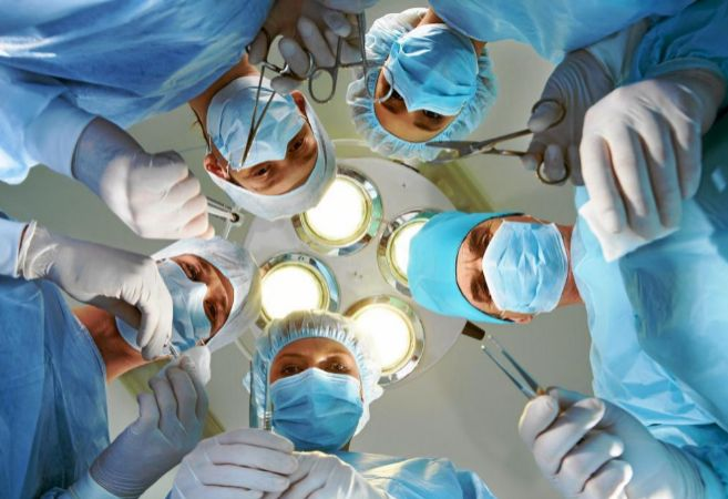 Operación de una hernia inguinal